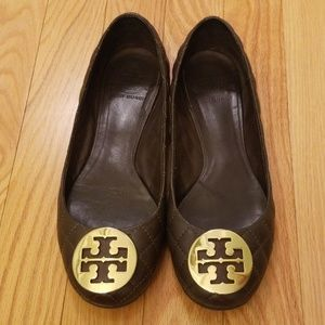 Tory Burch Dark Brown Size 8.5M Quilted Flats